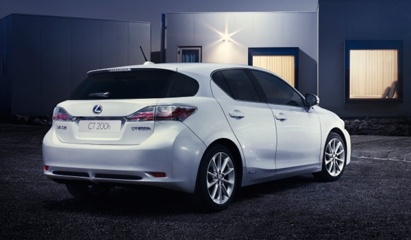 Lexus CT200h Move On White Edition.